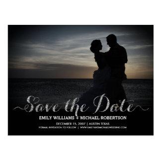 ロマンチックなカップルが付いている日付カードを救って下さい ポストカード