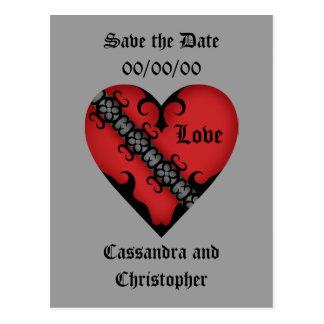 ロマンチックなゴシック様式中世赤いハートの保存日付 ポストカード