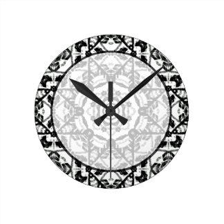 ロマンチックなタイルの質のオーナメントパターン ラウンド壁時計
