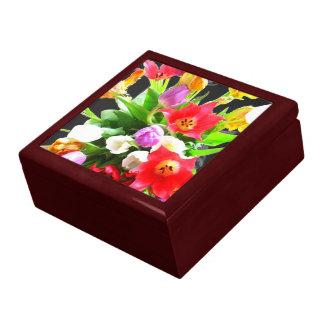 ロマンチックなチューリップの花 ギフトボックス