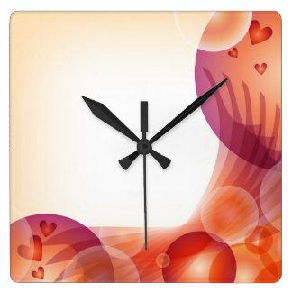 ロマンチックなハートのデザイン スクエア壁時計