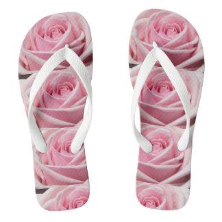 ロマンチックなピンクのバラのデザインのビーチサンダル ビーチサンダル