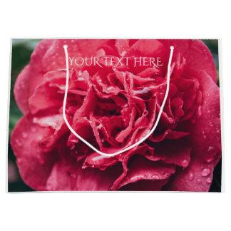 ロマンチックなピンクの花のクローズアップ のギフトバッグ ラージペーパーバッグ