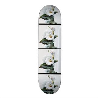 ロマンチックなヴィンテージの白いオランダカイウユリ スケートボード