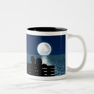 ロマンチックな月光のマグ ツートーンマグカップ