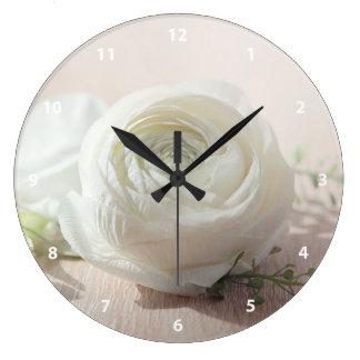 ロマンチックな白いバラ ラージ壁時計