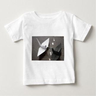 ロマンチックなorigamiクレーン ベビーTシャツ
