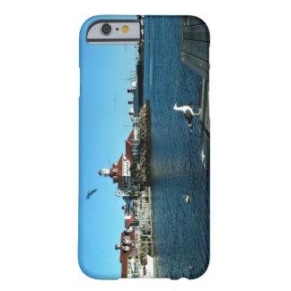 ロングビーチ: メリー女王及び海岸線の村 BARELY THERE iPhone 6 ケース