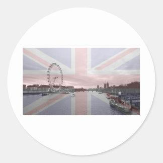 ロンドンのスカイラインの英国国旗の旗 ラウンドシール