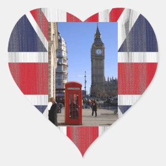 ロンドンのビッグベンそして赤い電話ボックス ハートシール