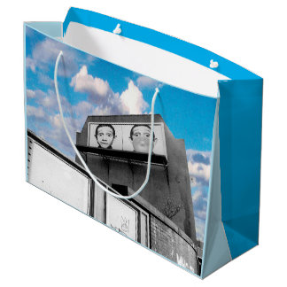 ロンドンの掲示板(都市シックな写真のデザイン) ラージペーパーバッグ