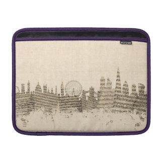 ロンドンイギリスのスカイラインの楽譜の都市景観 MacBook スリーブ