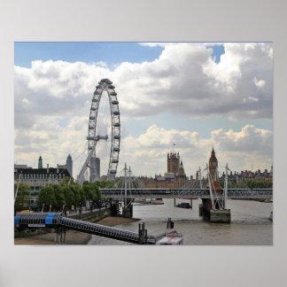 ロンドンイギリスのスカイライン、ビッグベンのロンドンの目、テムズ ポスター