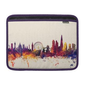 ロンドンイギリスのスカイライン MacBook スリーブ