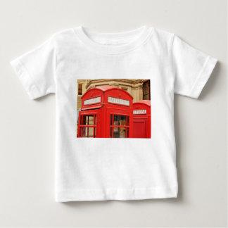 ロンドンイギリスの電話ブーツ ベビーTシャツ