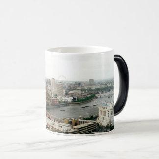 ロンドンテムズの景色 モーフィングマグカップ