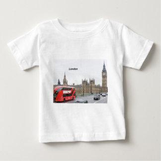 ロンドンバス及びビッグベン(St.K) ベビーTシャツ
