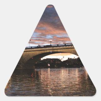 ロンドン橋 三角形シール