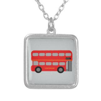 ロンドン赤いバス シルバープレートネックレス