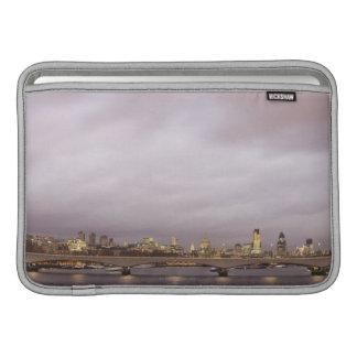 ロンドン3 MacBook スリーブ
