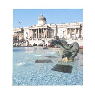 ロンドン、イギリスのトラファルガー広場 ノートパッド