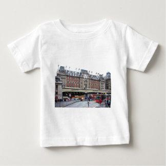 ロンドン--ビクトリア--[kan.k] .JPG ベビーTシャツ