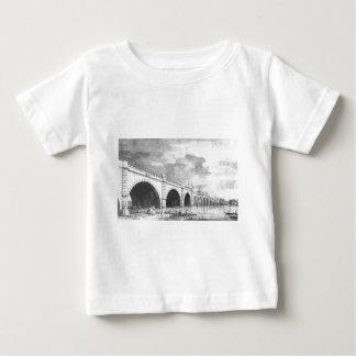 ロンドン: 修理Canalettoの下のウエストミンスター橋 ベビーTシャツ