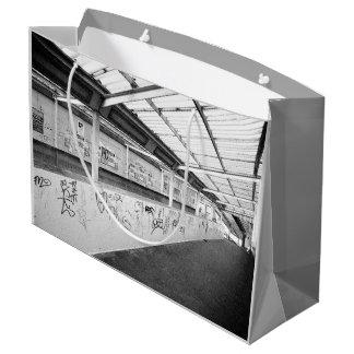 ロンドン(都市シックな通りの写真撮影) ラージペーパーバッグ