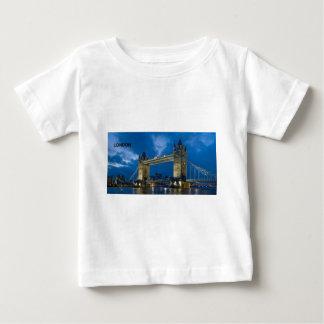 ロンドン--[kan.k] .jpg ベビーTシャツ