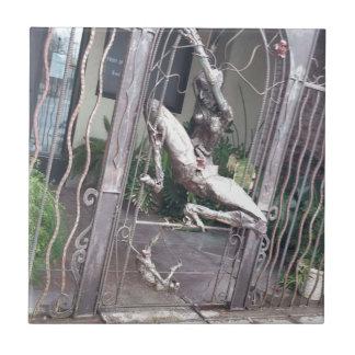 ローカル彫像 タイル