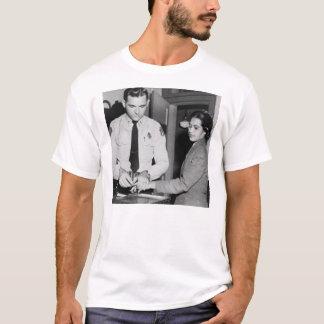 ローザへのオード Tシャツ