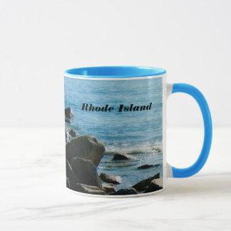 ロードアイランドの岩が多い海はマグをカスタマイズ マグカップ