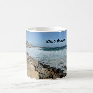 ロードアイランドの険しい海岸 コーヒーマグカップ