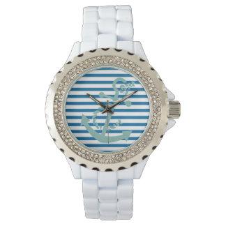ロープおよびいかりの青および白い横のストライプ 腕時計