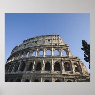 ローマのColosseumをとの調べる広い眺め ポスター