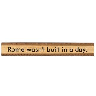 ローマは1日に造られませんでした カエデ 定規