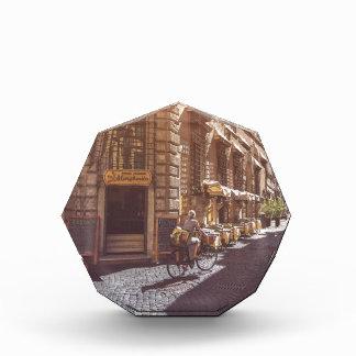 ローマイタリアのイタリアンな食料雑貨のゲッターのバイクの玉石 表彰盾