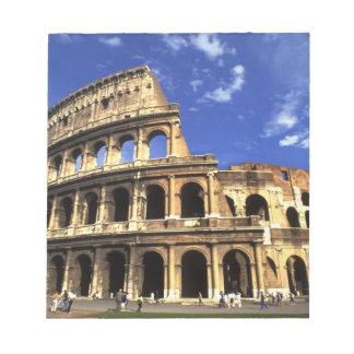 ローマイタリアのコロシアムの有名な台なし ノートパッド