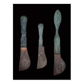 ローマポンペイc.100 BC-79の広告からの3本のナイフ ポストカード