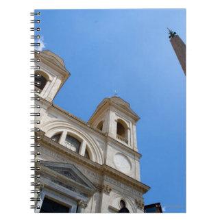 ローマ、イタリアのTrinitaのdeiのMonti教会はあります ノートブック