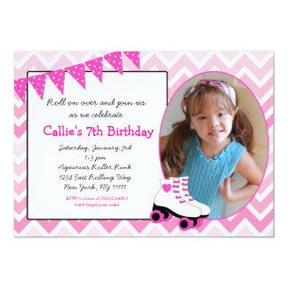 ローラースケートで滑るのスケートの誕生日の招待状-パーティー カード