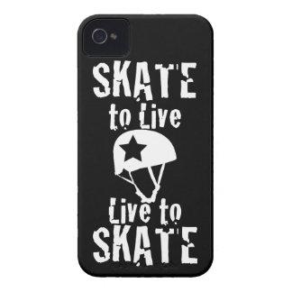 ローラーダービーのスケートで滑るために住むスケート生きている妨害機 Case-Mate iPhone 4 ケース