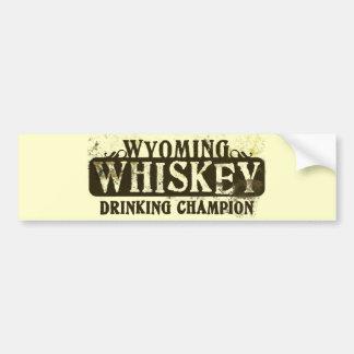 ワイオミングのウィスキーの飲むチャンピオン バンパーステッカー