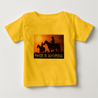 ワイオミングの乳児のTシャツで作られる ベビーTシャツ