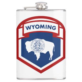 ワイオミングの州の旗の頂上の盾のスタイル フラスク