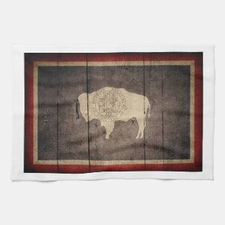 ワイオミングの険しい木製の旗 キッチンタオル