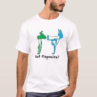 ワイシャツのcapoeiraの武道のgingaの斧 tシャツ
