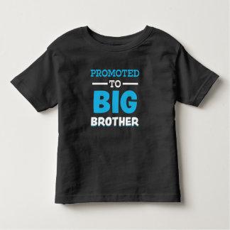 ワイシャツをお兄さんのおもしろいな男の子に促進される トドラーTシャツ