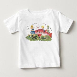 ワイシャツ-子供のTシャツ採取している子供-を魚釣りのワイシャツ ベビーTシャツ