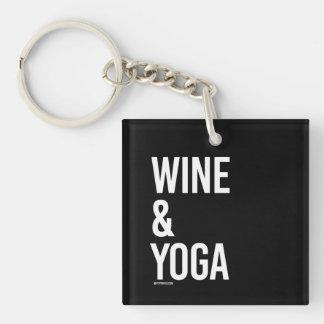 ワインおよびヨガ-   ヨガのフィットネス- .png 正方形(片面)アクリル製キーホルダー